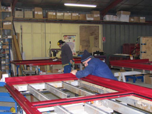 Atelier - rénovation bâtiment store Poitou Charentes